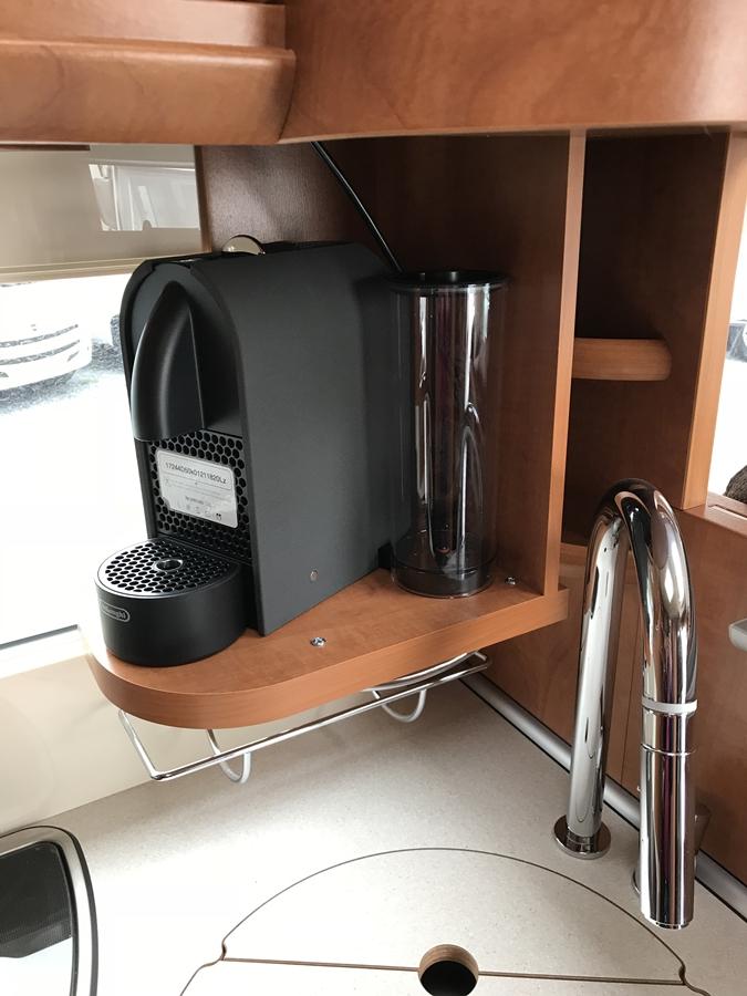 carthago l 4 9 l reisemobile schl ter. Black Bedroom Furniture Sets. Home Design Ideas